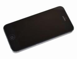 壊れた SoftBank iPhone5 64GB ブラック MD662J/A買取ました!