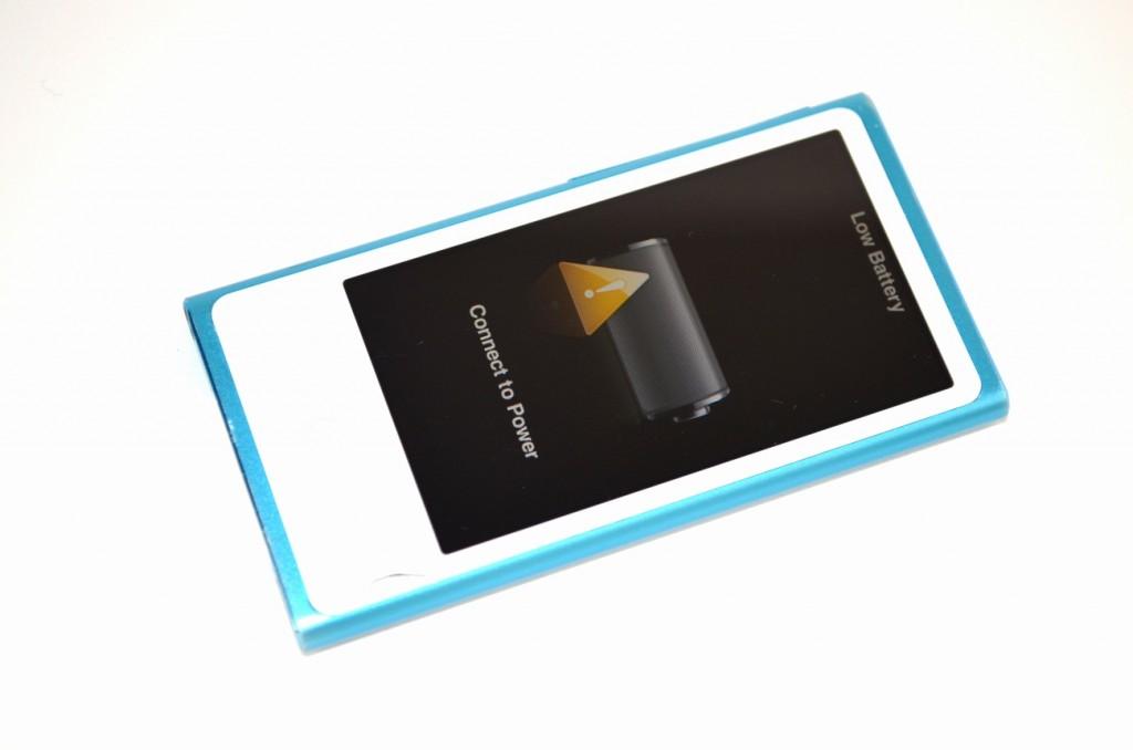 壊れた iPod nano 16GB ブルー MD477J/A買取ました!