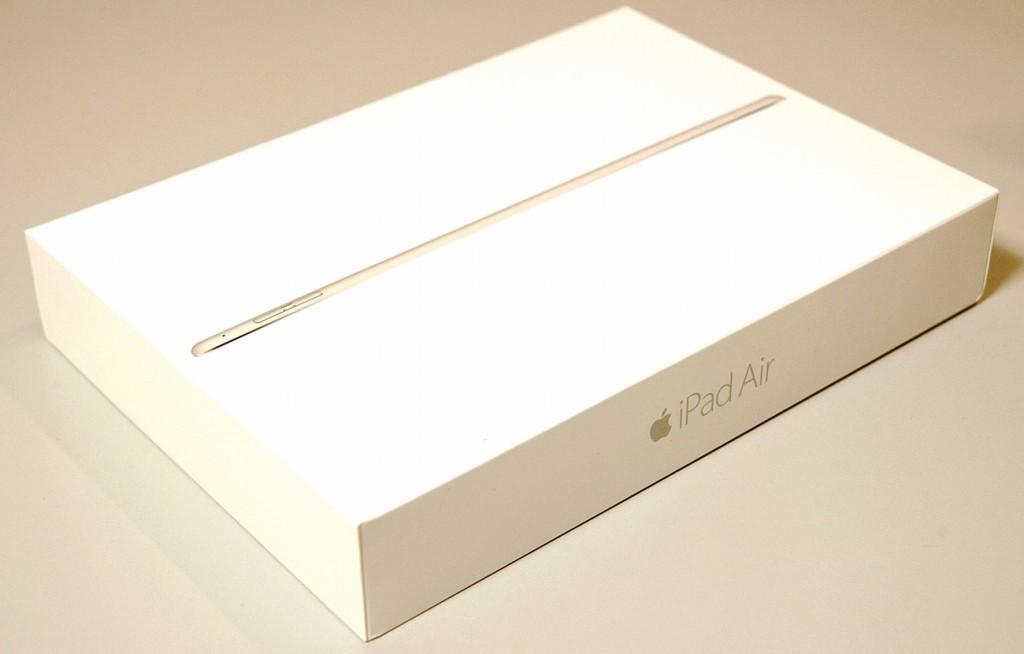 新品 au iPad Air2 16GB ゴールド Wi-Fi+Cellular MH1C2J/A買取ました!