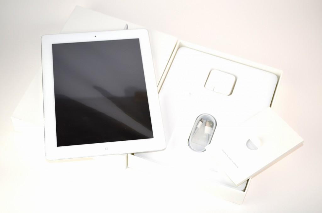 壊れたiPad4 16GB買取ました!SoftBank Wi-Fi+Cellular MD525J/A ホワイト