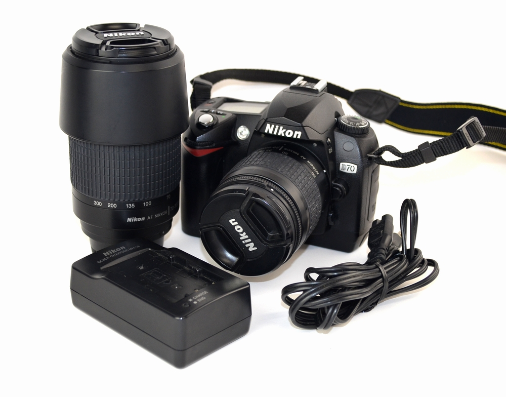 壊れた一眼レフカメラ買取ました!Nikon D70 Wレンズセット、壊れたカメラの買取はジャンク品ジャパン