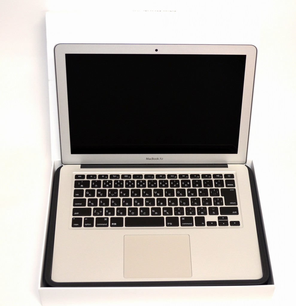 壊れたMacBook Air買取ました!13-inch,Mid 2013 MD760J/A,福岡博多ジャンク品ジャパン