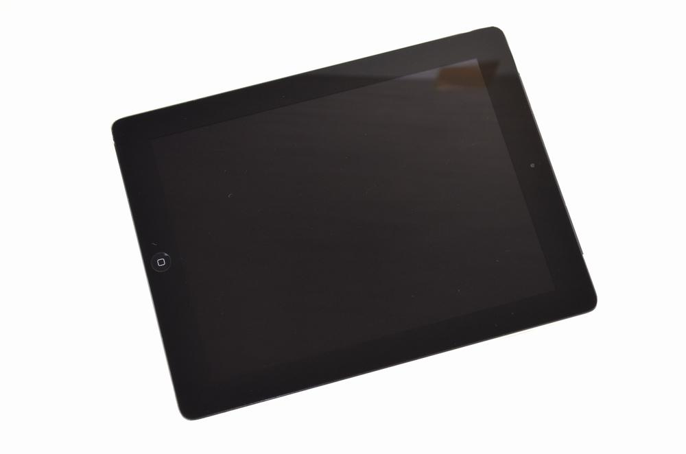 壊れたSoftBank iPad4買取ました!32GB MD523J/A Wi-Fi Cellular、iPadの高価買取は福岡博多ジャンク品ジャパンまで!