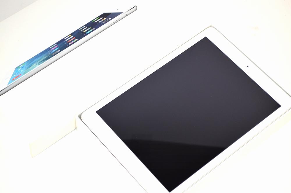 壊れたiPad Air買取ました!32GB シルバー Wi-Fiモデル-福岡博多ジャンク品ジャパン